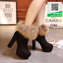 รองเท้าบู๊ทผู้หญิงสีดำ บุขนด้านใน แต่งซิป (สีดำ )