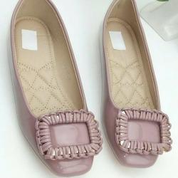 รองเท้าคัทชูส้นเตี้ย หัวตัด หนังแก้ว (สีชมพู )