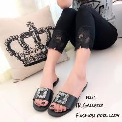 รองเท้าแตะเปิดส้นสีดำ วัสดุหนังพียูผสมไหมเทียม Style Manolo Blahnik (สีดำ )