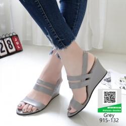 รองเท้าสไตล์สวม มีสายรัดส้นงานหนังพียู 915-132-เทา [สีเทา]