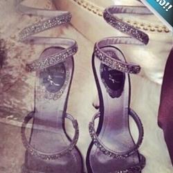 รองเท้าแบบพันข้อเท้าประดับเพชร สไตล์โรมัน (สีเงิน)
