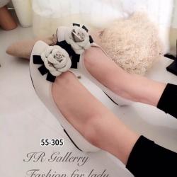 รองเท้าคัทชูส้นแบนสีครีม หัวแหลม Style Chanel (สีครีม )