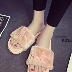 รองเท้าแตะ แบบสวม สายคาดขน สไตล์Puma (สีชมพู )
