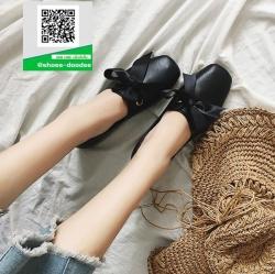 รองเท้าคัทชูส้นแบนสีดำ หนังนุ่ม ส้นลายไม้ (สีดำ )