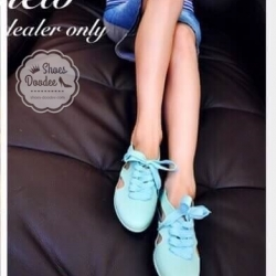 รองเท้าผ้าใบสีฟ้า งานALDO เนื้อซิลิโคนอย่างดี สีลูกกวาดพาสเทล งานชนช้อป กันแดด กันฝน ทนทานสุดๆ