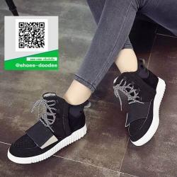 รองเท้าผ้าใบหุ้มข้อสีดำ พื้นยางยึดยุ่น (สีดำ )
