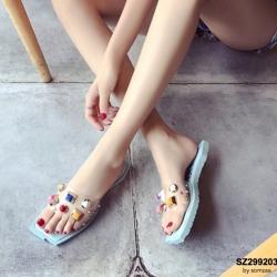 รองเท้าแตะแฟชั่นสีฟ้า สายคาดพลาสติกใส ไม่บาดเท้า (สีฟ้า )