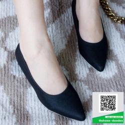 รองเท้าส้นเตี้ยหัวแหลม Pointed Toe Low Heel (สีดำ )
