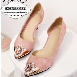 รองเท้าคัชชูส้นสูงสีชมพู หัวแหลม งานนำเข้า100% งานสวยๆจาก Nina-Ricci หนังกำมะยี่ ปะตรงหัวด้วยอะไหล่ติดเพรช สูง2.5นิ้ว