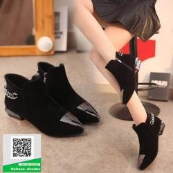 รองเท้าบู๊ทหุ้มข้อสีดำ หัวแหลม Style Korea (สีดำ )