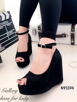 รองเท้าส้นเตารีด หุ้มส้น รัดข้อเท้า เปิดหน้า (สีดำ )