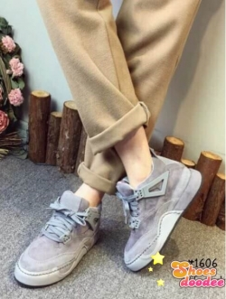 รองเท้าผ้าใบสีเทา หุ้มข้อเสริมส้น สินค้านำเข้า วัสดุทำจากหนังสักราจ เสริมส้น1.5นิ้ว
