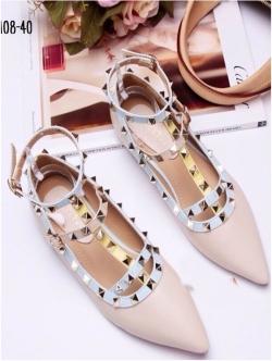 รองเท้าคัทชูสีครีม VALENTINO WATERCOLOR ROCKSTUD Flat Shoes งานหมุดวาเลนเกรดดี รัดข้อเท้าการันตีด้วยภาพถ่ายสินค้าจริงค่า แกะแบบของแท้ วัสดุหนังpuส้นแบนสายแบบเกี่ยวปรับได้