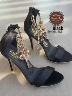 รองเท้าส้นสูงสีดำ งานชวาลอฟกี้ แบบสร้อยระย้า ส้นสูงไฮโซ แบบที่เซเลบ ชื่นชอบ หรูไฮ เกรดพรีเมี่ยม สูง5