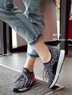 รองเท้าผ้าใบสีดำ งานนำเข้า ผ้ายืดลายสีเทา ขอบยางมีเชือกผูก นน.เบา ส้นพียู สูง1.5นิ้ว ห้ามพลาด