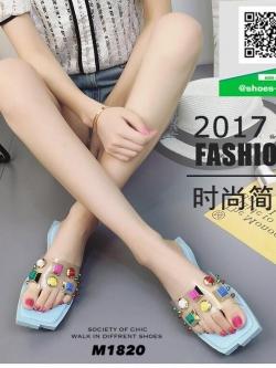 รองเท้าแตะแฟชั่นสีฟ้า หน้าสวมพลาสติกใสนิ่ม (สีสีฟ้า )