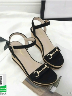 รองเท้าเตารีดรัดส้นสีดำ ลายไม้เล่นดีเทลที่ตัวส้น (สีดำ )