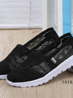 รองเท้าผ้าใบลูกไม้สีดำ พื้นสุขภาพ ผ้าลูกไม้โปร่งใส่สบาย (สีดำ )
