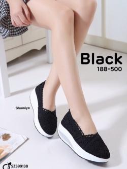 รองเท้าผ้าใบเสริมส้นสีดำ ผ้าลูกไม้ Style Valentino (สีดำ )