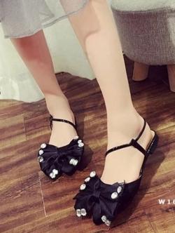 รองเท้าส้นเตี้ยสีดำ คัชชูหัวแหลมสายสาวหวาน สาวหรู วัสดุผ้าซาติน ประดับอะไหล่เพชร สวยวิ๊งๆๆ น่ารักสุดๆ