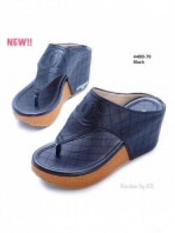 รองเท้าแตะส้นเตารีด ทรงคีบ สไตล์ลำลอง (สีดำ )