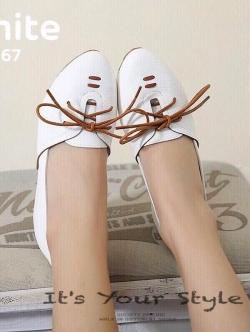 รองเท้าคัทชูผู้หญิง หนังนิ่ม ผูกเชือก สไตล์วินเทจ (สีขาว )