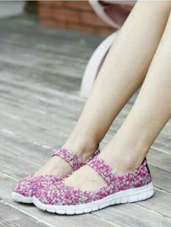 รองเท้าผ้าใบแฟชั่น ผ้ายืดสาน พื้นหักงอได้ (สีชมพูลาย )
