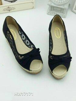 รองเท้าส้นเตารีดลายลูกไม้ เปิดหน้า (สีดำ )