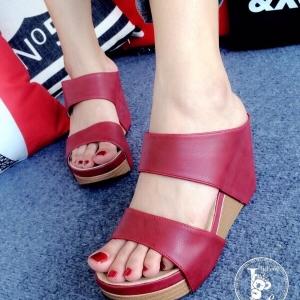 รองเท้าส้นเตารีด แบบสวม สายคาด2ระดับ (สีแดง )