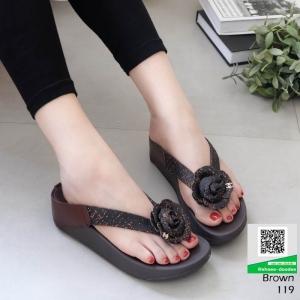 รองเท้าสุขภาพสไตล์ฟิทฟลอบ แต่งดอกคามิเลีย 119-น้ำตาล [สีน้ำตาล ]