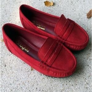 รองเท้าคัทชูส้นเตี้ย โลฟเฟอร์สัน งานสักราจ (สีแดง )