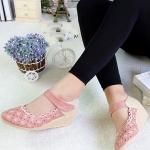 รองเท้าคัทชูส้นเตารีด ทรงหัวแหลม (สีชมพู )