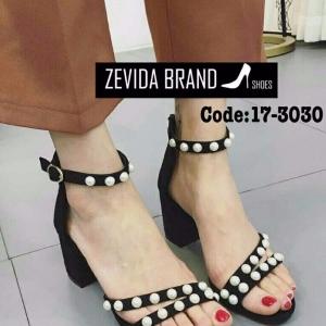 รองเท้าส้นตันรัดข้อสีดำ ซิปหลัง สายคาดประดับมุก (สีดำ )