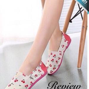 รองเท้าผ้าใบผู้หญิงสีขาว ลายเชอรี่ แบมสวม ส้นแบน ทรงTOM น่ารัก ทันสมัย แฟชั่นพร้อมส่ง