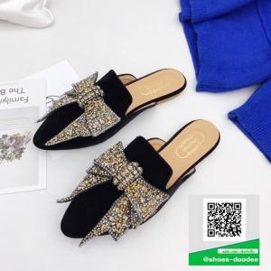 รองเท้าส้นเตี้ยเปิดส้นสีดำ ทรงสลิปเปอร์ Style miu miu (สีดำ )