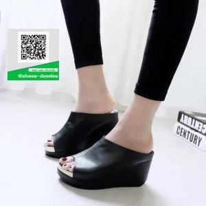 รองเท้าส้นเตารีดเปิดส้นสีดำ หน้าเต็ม ใส่ขอบทอง (สีดำ )