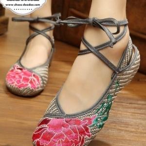 รองเท้าคัทชูสีเทา งานปักจีน2IN1 แบบใหม่ ไฉไลกว่าเก่า เชือกพันข้อเพิ่มความเก๋ ถอดสายออกได้