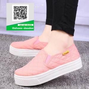 รองเท้าผ้าใบแฟชั่นสีชมพู พื้นยางผสมกลิ่นหอมของดอกไม้ (สีชมพู )