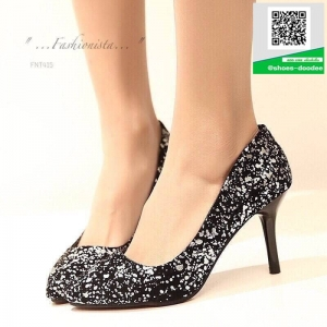 รองเท้าคัชชูส้นสูงสีเงิน ทรง casual ดีไซน์หรูหรา (สีเงิน )