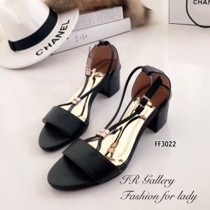 รองเท้าส้นเตี้ย ปิดส้น สายรัดข้อเท้า ปลายเปิด (สีดำ )