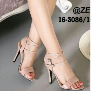 รองเท้าส้นสูงสีชมพู 4นื้ว ทรงคลาสสิค มีสายรัดข้อเท้าปรับขนาดได้ แถมได้ลุคเซ็กซี่นิดๆเวลาสวมใส่