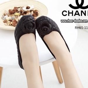 รองเท้าคัชชูสีดำ STYLE.CHANEL ทำจากผ้าสีออกเมทัลลิคใส่แล้วทำให้ดูขับผิวเท้า ทรงสวย ใส่แล้วดูดี