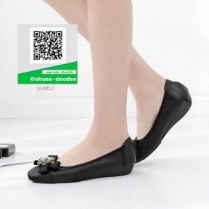 รองเท้าคัทชูส้นเตี้ยสีดำ หัวตัด (สีดำ )