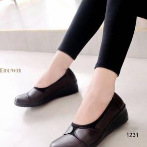 รองเท้าคัทชูเพื่อสุขภาพ พื้นนิ่มตัดใส่ผ้ายืด (สีน้ำตาล )