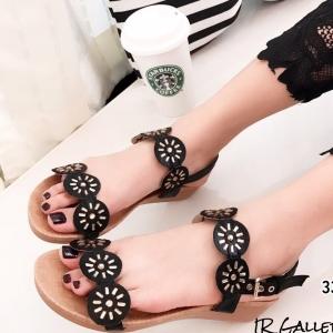 รองเท้าแตะผู้หญิงสีดำ รัดส้น ผ้าซาติน ส้นยางพารา (สีดำ )