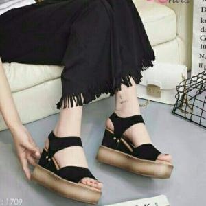 รองเท้าส้นเตารีดรัดส้นสีน้ำตาล พื้นพียู น้ำหนักเบา (สีน้ำตาล )