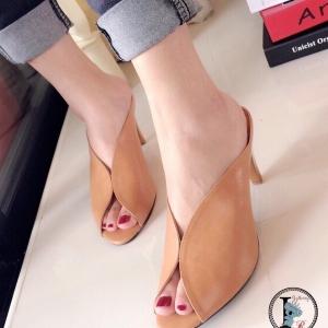 รองเท้าส้นสูงเปิดส้น แบบสวม หนังนิ่ม (สีน้ำตาล )