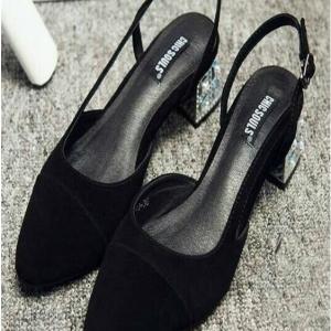 รองเท้าคัชชูสีดำ ทรงZARA สายรัดหลัง หนังสักหลาด ส้นเคลือบเงินฝังเพชร งานสวยตามรุปเลยจ้า ส้นสูงประมาณนิ้ว