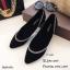 รองเท้าคัทชูส้นเตี้ยสีดำ หัวแหลม ขอบแต่งอะไหล่เพชร (สีดำ )