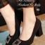 รองเท้าคัทชู ส้นสูง หัวแหลม แต่งหัวเข็มขัดฝังเพชร (สีดำ ) thumbnail 1